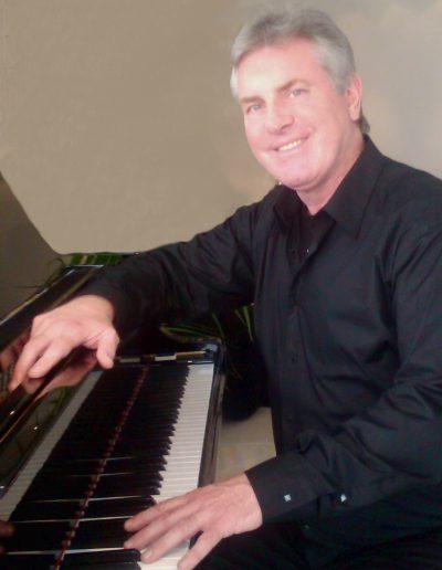 Dr Georg Hilfrich, Klavier und Orgel