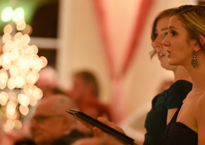 Weihnachten im Weingut Kopp, Opera et Cetera, Liz Magnor und Megan McGee